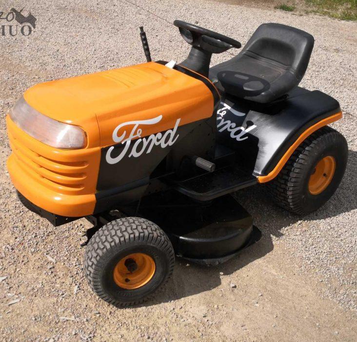 žolės vejos pjovimo traktoriukai